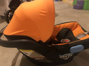UppaBaby Vista Travel system for Sale in South Windsor, CT