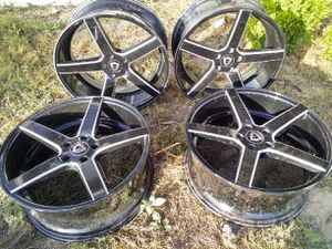 "20"" Capri rims for Sale in Coarsegold, CA"