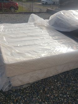 Queen Mattress And Box Spring for Sale in Tacoma,  WA