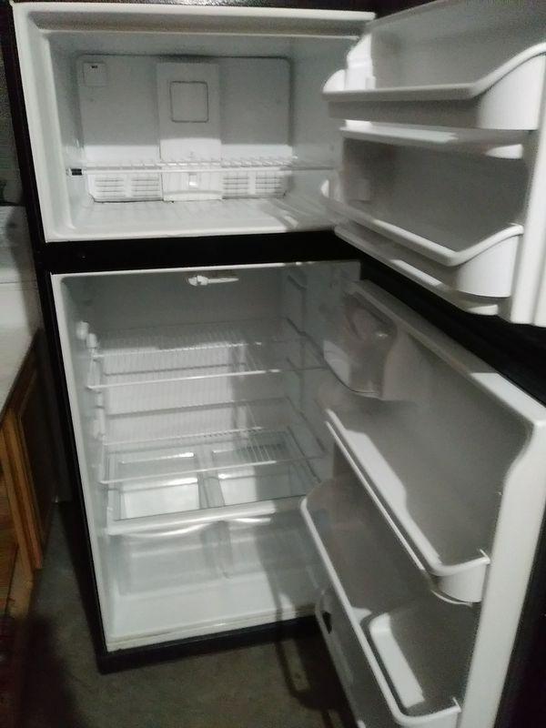 Black GE refrigerators