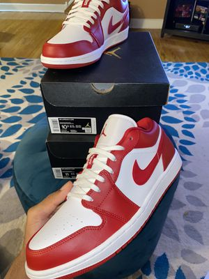 Jordan 1 Low Gym Red for Sale in Philadelphia, PA