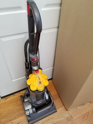 NEW cond Dyson DC33 vacuum with complete attachments, Amazing POWER suction, in the BOX, WORKS EXCELLENT, for Sale in Federal Way, WA