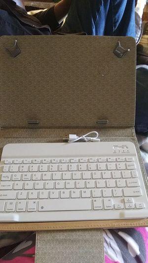Wireless keyboard in case for Sale in Kolin, LA