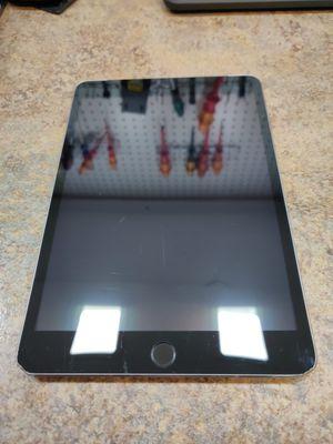Apple iPad Mini 3 16 GB WIFI GSM A1600 for Sale in San Jacinto, CA
