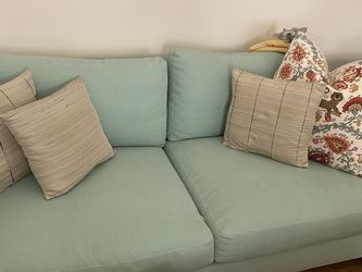 Teal Loveseat-$250 for Sale in Los Angeles,  CA