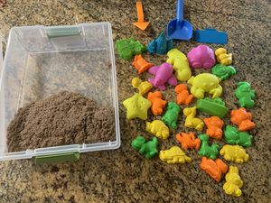 Kinetic sand and molds for Sale in La Mesa, CA