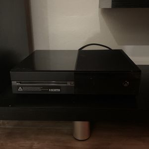 Xbox 1 With Games And Controllers for Sale in Phoenix, AZ