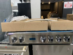 "Viking 36"" range top in stainless steel new open box for Sale in Oceanside, CA"