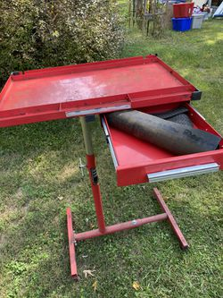 Mechanics cart with drawer for Sale in Springfield,  IL