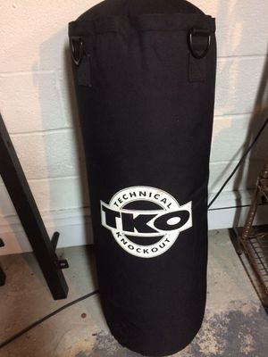 TKO heavy bag with stand and speed bag for Sale in Lyndhurst, NJ