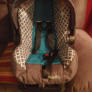 Evenflo Infant Car Seat for Sale in Vancouver, WA