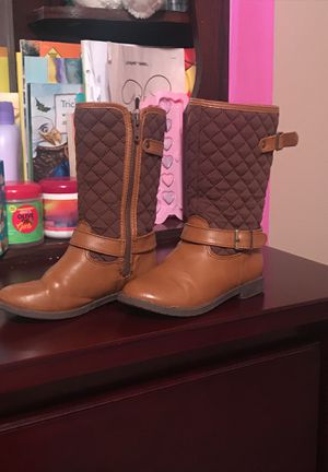 Brown toddler girl boots for Sale in Savannah, GA