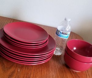 Like new plates set of 12 for Sale in Anaheim, CA