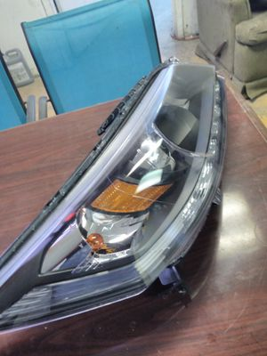 2013 Honda Accord headlight pasanger side for Sale in Dallas, TX