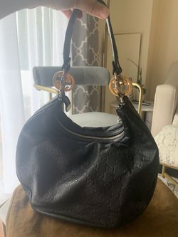Gucci Leather Embossed Shoulder Purse for Sale in Chelsea,  MA