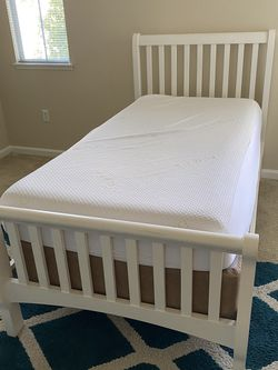 Twin Bed White Frame With Memory Foam Mattress and Box Spring for Sale in Los Angeles,  CA