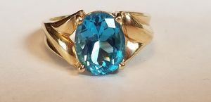 Stunning Vintage Estate 10K yellow gold 3.24CT genuine oval cut blue topaz ring size 6 for Sale in Lake Stevens, WA