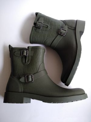 Shoedazzle Green Rain Boots Booties Size 10 New for Sale in McKnight, PA