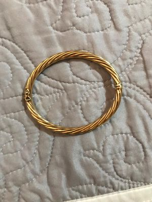 18 carat gold bracelet weighs 10 grams for Sale in Boston, MA