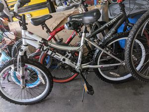 Bicycle gray for Sale in Downey, CA