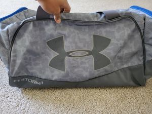 Large Under Armour duffle bag for Sale in Raleigh, NC