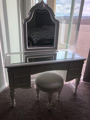 Vanity beautiful for Sale in Las Vegas, NV