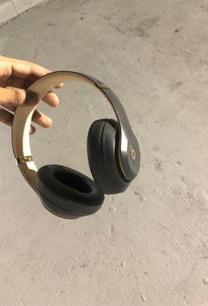 Beats Studio 3 (mint condition ) for Sale in Miami Gardens, FL