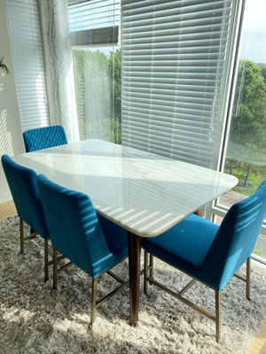 Marble dining table for Sale in Weehawken, NJ