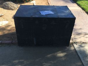 Steamer Trunk for Sale in Rancho Cucamonga, CA