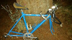 bike Cannondale bicycle aluminum frame crank brakes handlebars for Sale in Gig Harbor, WA