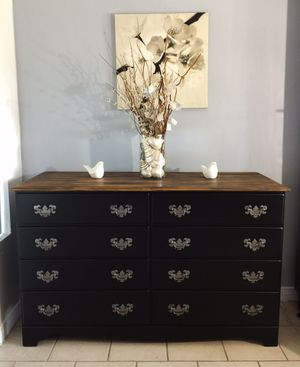 Beautiful dresser for Sale in Westminster, CA