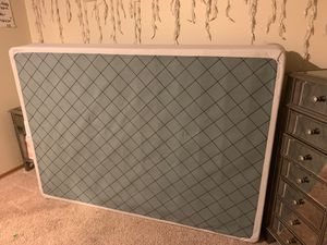 box spring for full mattress for Sale in Lakewood, WA