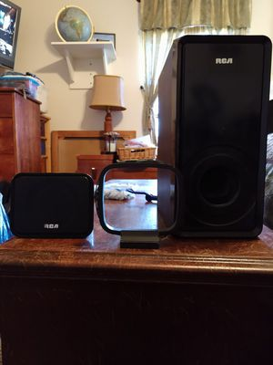 RCA center speaker, subwoofer, AM loop antenna & remote. for Sale in Rogers, AR