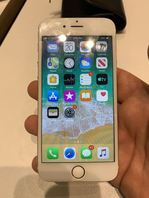 iPhone 6 Gold 64Gb Unlocked Any Carrier for Sale in Los Angeles, CA