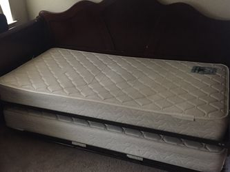 Day Bed / Twin With Trundle for Sale in Austin,  TX
