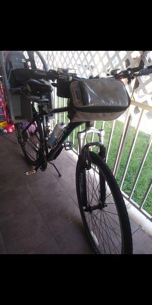 Bicicleta semi nueva for Sale in Fontana, CA