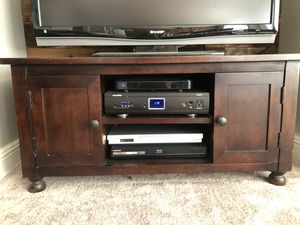 Tv console table for Sale in Antioch, CA