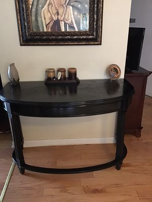 Beautiful antique entryway table 48 Lx30Hx17 D for Sale in Franklin Park, IL