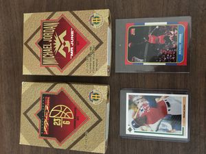 Limited Michael jordan sets and 2 mint cards for Sale in NJ, US