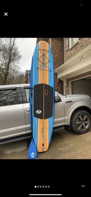 10 ft 6 in Paddle Board w/paddle *Like New* for Sale in Peachtree City, GA