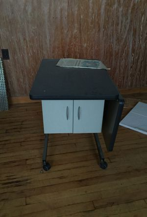 Small computer desk with two drawers for Sale in Cleveland, OH