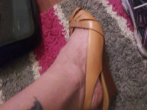 Gianni Bini leather sling back8.5 for Sale in Unionville, MO