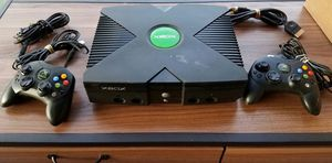 ORIGINAL XBOX GAME SYSTEM W 2 CONTROLLERS 4 GAMES for Sale in Montgomery, AL