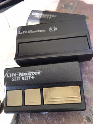 Lift master garage opener can be reprogrammed for Sale in Chula Vista, CA