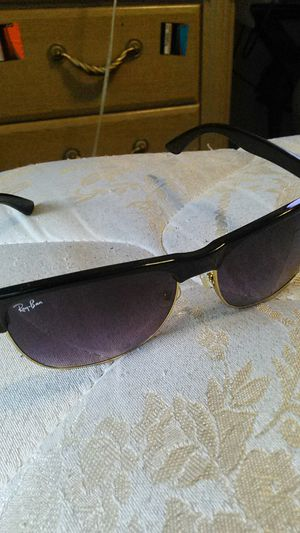 Ray•Ban for Sale in Cleveland, OH