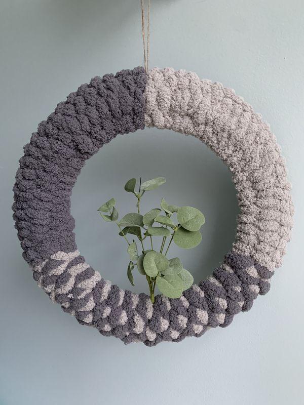 Cozy modern wreaths