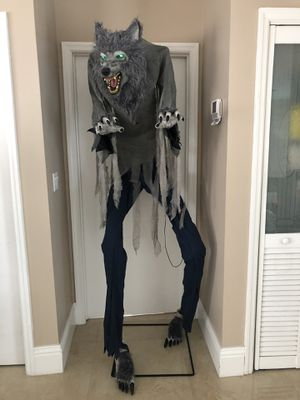 Halloween 7ft Growling Werewolf Man Prop (RARE & SOLD OUT) for Sale in Hialeah, FL