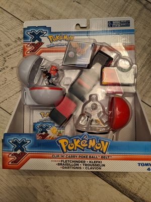 TOMY pokémon clip and carry pokeball belt. Comes with Fletchinder and Klefki figures. for Sale in TEMPLE TERR, FL