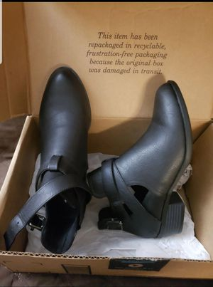Ankle Boots for Women (8) for Sale in Barstow, CA
