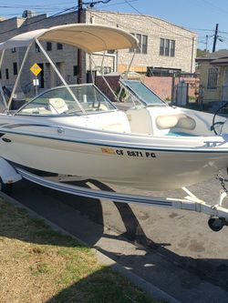 98 Sea Ray 19ft Boat for Sale in Maywood,  CA